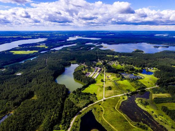 Irmanto Gelūno / 15min nuotr./Aukštaitijos nacionalinis parkas ir Labanoro giria iš paukščio skrydžio