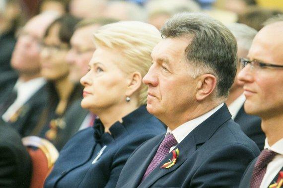 Irmanto Gelūno / 15min nuotr./Dalia Grybauskaitė neslepia, kad Algirdo Butkevičiaus vadovaujamų socdemų kontroliuotas Seimas vidaus sandorių judinti nenorėjo