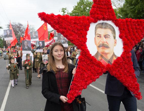 """""""Sputnik""""/""""Scanpix"""" nuotr./Josifo Stalino nusikaltimų stengiamasi neprisiminti."""