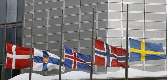 """""""Reuters""""/""""Scanpix"""" nuotr./Šiaurės šalių vėliavos."""