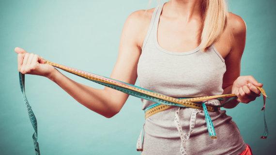 Fotolia nuotr./Kodėl moteriai sunkiau numesti svorio nei vyrui?