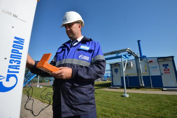 """Scanpix""/""RIA Novosti"" nuotr./""Gazprom"" darbuotojas"