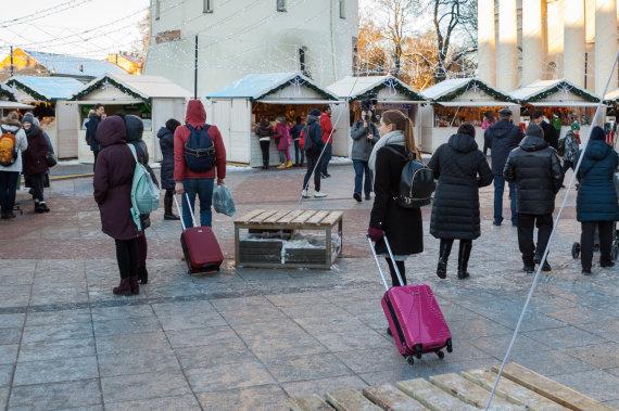 Sauliaus Žiūros nuotr./Turistai Vilniuje