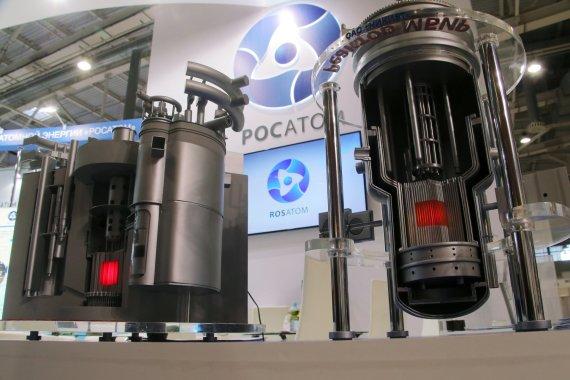 """""""Scanpix""""/""""RIA Novosti"""" nuotr./""""Rosatom"""" branduoliniai reaktoriai parodoje"""