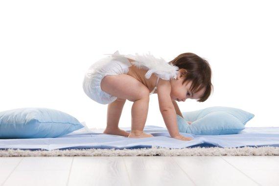 Kūdikis su sauskalnėmis