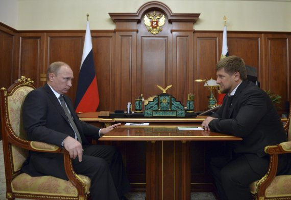 """Reuters""/""Scanpix"" nuotr./Vladimiras Putinas ir Ramzanas Kadyrovas"
