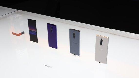 """15min / Audriaus Gavėno nuotr./""""Sony Xperia 1"""" išmanieji telefonai"""