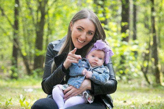 Juliaus Kalinsko / 15min nuotr./Giedrė Linkevičienė su dukra Juna