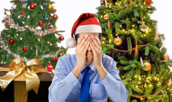 123RF.com nuotr./Vyras pervargęs nuo dovanų pirkimo