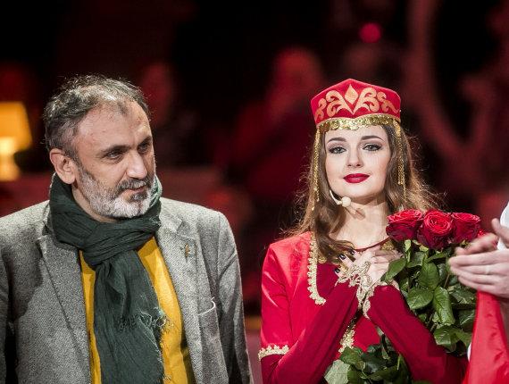 Viganto Ovadnevo/Žmonės.lt nuotr./Gabrielė Martirosianaitė su dėde iš Armėnijos