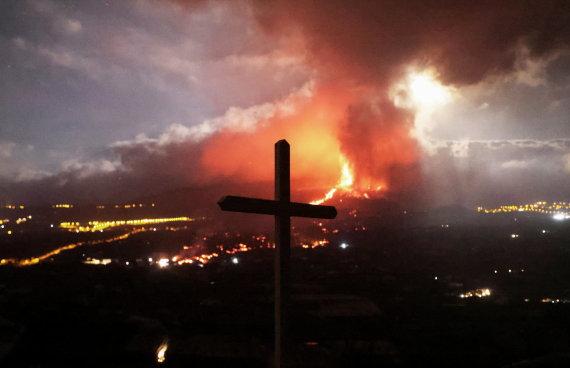 """""""Reuters""""/""""Scanpix"""" nuotr./Ugnikalnio išsiveržimas La Palmoje"""