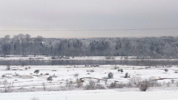 Skaitytojos Jūratės nuotr./Planuojamo smėlio ir žvyro karjero Virbaliūnuose vietoje įrengta motociklų trasa