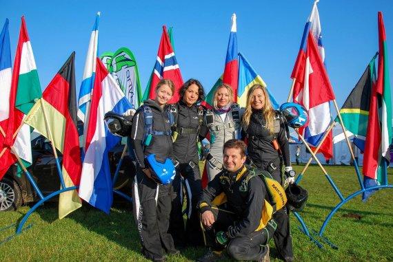 Asmeninio archyvo nuotr./Lena Sokolovska (kairėje) su komanda