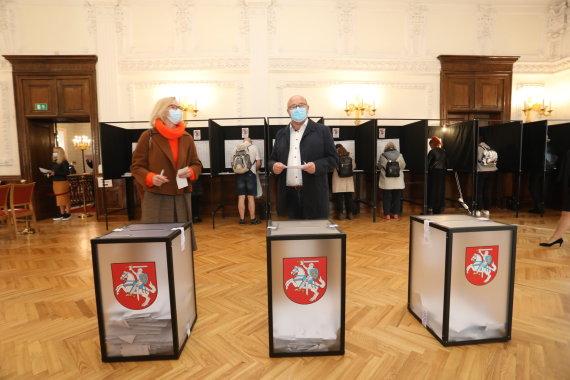 Aliaus Koroliovo nuotr./Visvaldas Matijošaitis balsavo LR Seimo rinkimuose