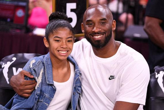 """Scanpix"" nuotr./Kobe Bryantas su dukra Gianna"