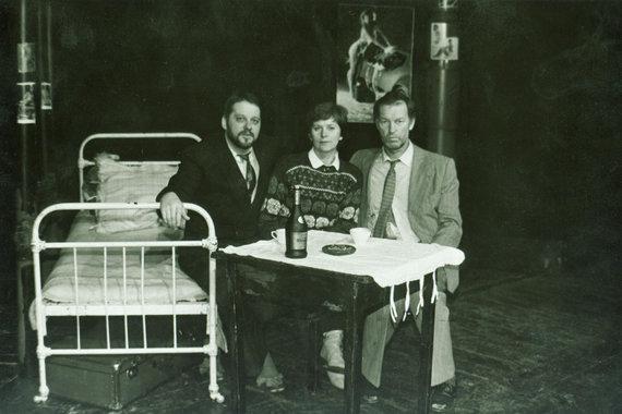 A.Dudžio nuotr./Aktoriai su režisiere Irena Bučiene