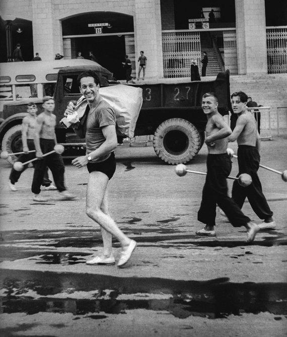 """Irenos Giedraitienės nuotr./Šypsena. Iš serijos """"Tautų spartakiada"""". Maskva, 1956"""
