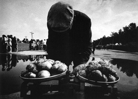 Lietuvos turguose. Tauragė, 1973. Aleksandro Macijausko nuotr.