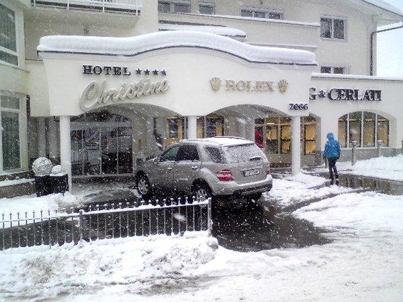 Žilvino Pekarsko/15min.lt nuotr./Atvykote slidinėti ar brangių laikrodžių pirkti?