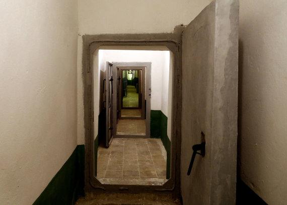 """""""Scanpix""""/AP nuotr./Envero Hoxhos bunkeris"""