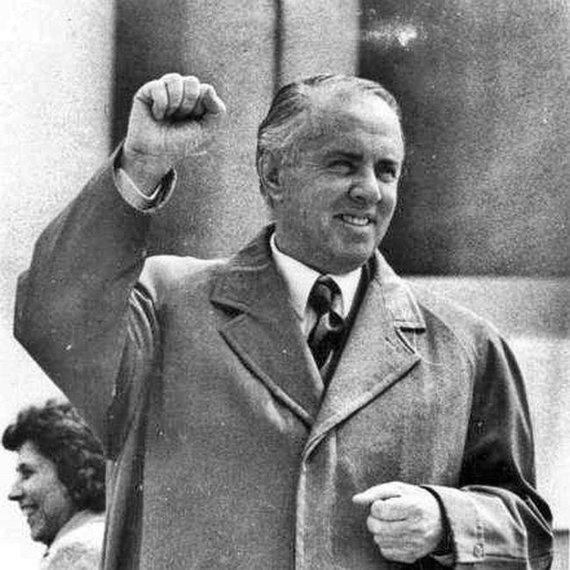 Wikipedia.org nuotr./Enveras Hoxha (1971 m.)