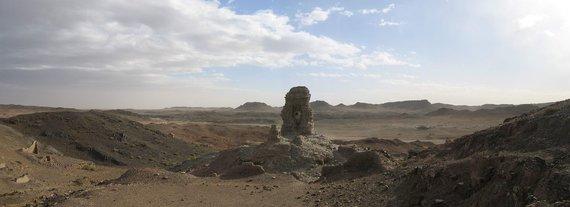 Wikipedia.org nuotr./Represijų laikotarpiu sunaikinto budistų vienuolyno griuvėsiai