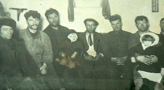 """sibreal.org nuotr./Išgelbėtieji iš garlaivio """"Indigirka"""""""