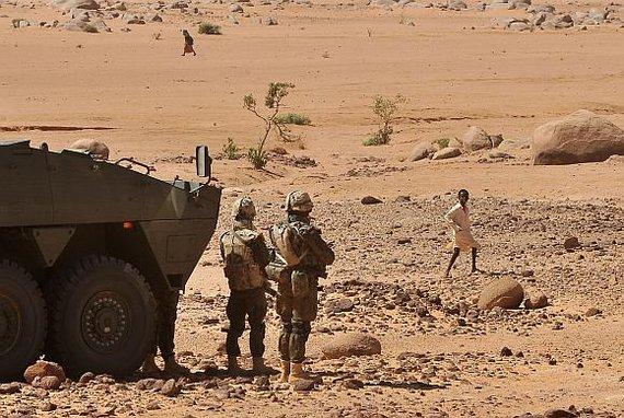 """AFP/""""Scanpix"""" nuotr./Lenkijos kariai Čade"""