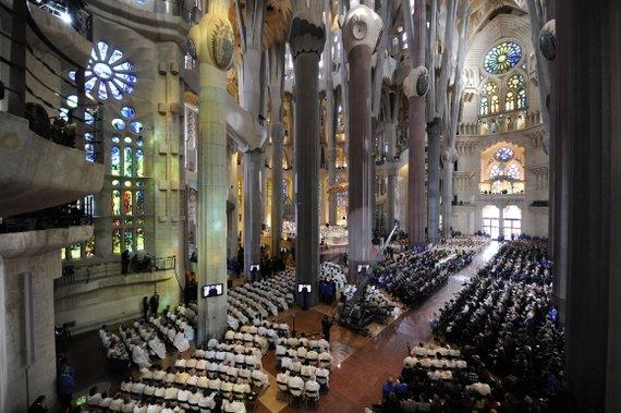 """AFP/""""Scanpix"""" nuotr./Barselonos Šventosios Šeimynos bažnyčios konsekravimo iškilmės"""