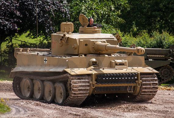 """Simon Q/Wikipedia.org nuotr./""""Tiger 131"""" Bovingtono tankų muziejaus poligone"""