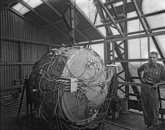 """Wikipedia.org nuotr./""""Prietaisas"""" – pirmoji pasaulyje atominė bomba"""