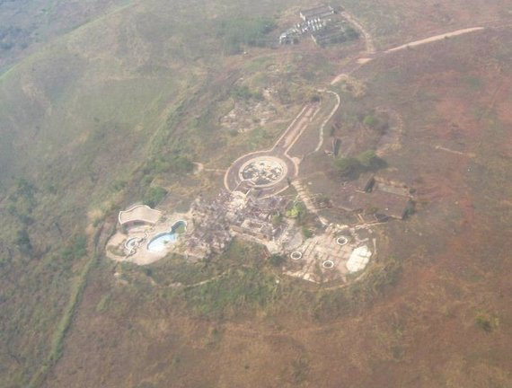 Wikipedia.org nuotr./Mobutu rūmų Gbadolite liekanos (2010 m.)