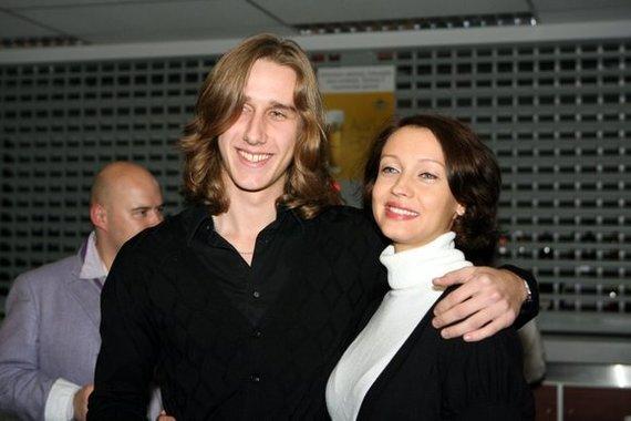 Juliaus Kalinsko/15min.lt nuotr./Aistė Jasaitytė-Čeburiak su vyru Romanu Čeburiak