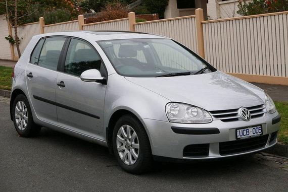 """OSX, """"Wikimedia"""" (CC BY-SA 4.0) nuotr./""""Volkswagen Golf Mk.V"""" peržengė į visai naują kokybės ir komforto lygmenį ir tapo Lietuvos metų automobiliu 2004."""