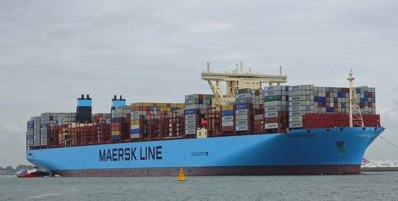 Naujų didžiųjų konteinerinių laivų tilteliai būna viduryje ©kees torn (CC BY-SA 2.0) | commons.wikimedia.org