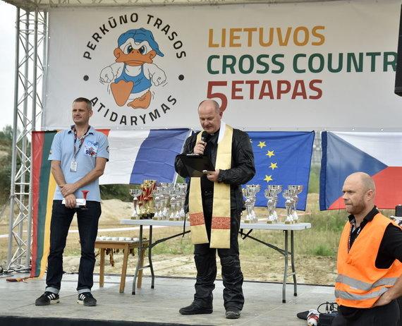 """Fotovaldas.com nuotr./""""Perkūno"""" trasoje Cross Country varžybose lankėsi Dakaro motociklininkai"""