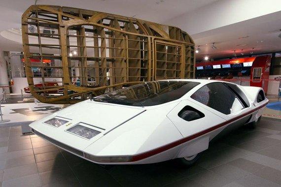 Ferrari 512S Modulo ir medinė forma, panaudota kėbulo gamybai. (Morio, Wikimedia (CC BY-SA 3.0)