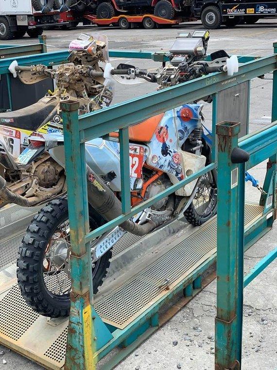 iGo2Dakar nuotr./Balio Bardausko motociklas Kaljao uoste