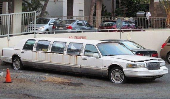 Senas ir nebereikalingas antrosios kartos Town Car – atkreipkite dėmesį, kad labiausiai surūdijo intarpas. (Riley, Wikimedia(CC BY 2.0)