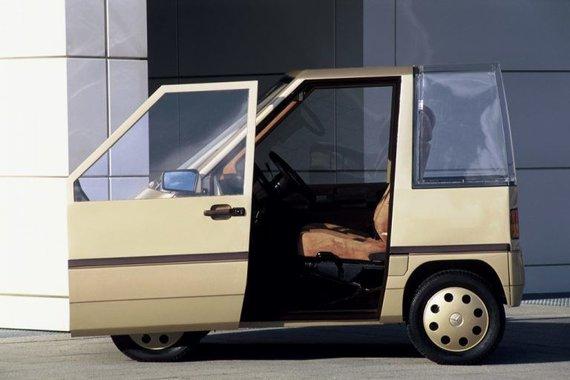 Slankiojančios durelės palengvino įlipimą ir išlipimą siaurose parkavimo vietose. (Daimler nuotrauka)