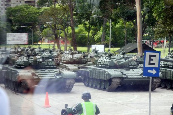 T.Tumalovičiaus/Krepšinio širdis nuotr./Lietuvos krepšinio rinktinės treniruotė Venesueloje vyko karinėje zonoje.