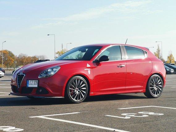 Autoplius.lt nuotr./Alfa Romeo Giulietta Quadrifoglio