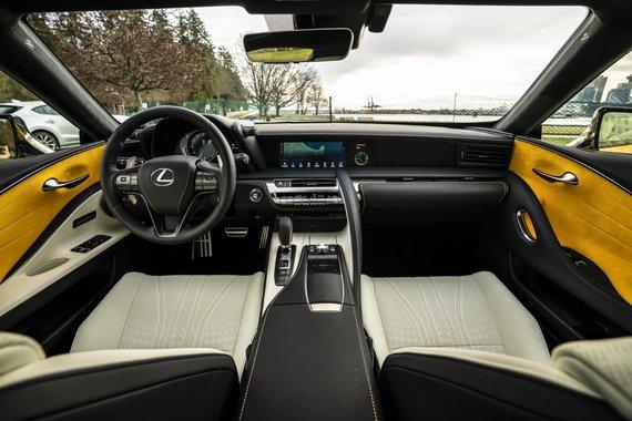 Gamintojo nuotr./Lexus LC500 su 10 laipsnių automatine pavarų dėže