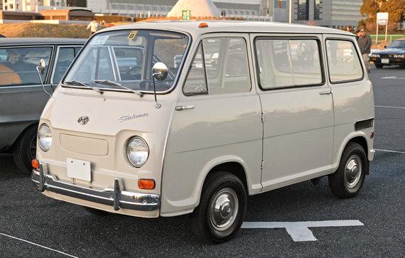 Subaru Sambar – mikroautobusas su 360 kubinių centimetrų varikliu ir beveik 3 metrų ilgo kėbulu. (Wikimedia(CC BY-SA 3.0)