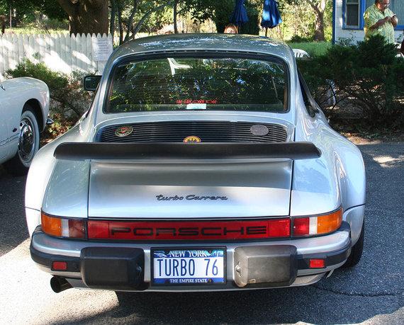 Wikimedia Commons iliustr./Porsche 930 ( Mr Choppers)