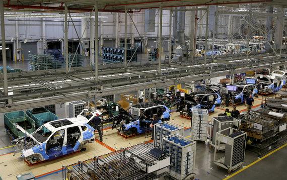 """""""Reuters""""/""""Scanpix"""" nuotr./Pietų Karolinoje esančiame Spartanburgo mieste įsikūrusioje gamykloje surenkama didžioji dalis BMW krosoverių"""