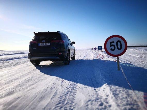 Žilvino Pekarsko / 15min nuotr./Ledo kelias per Baltijos jūrą Estijoje Hapsalu–Noarotsis