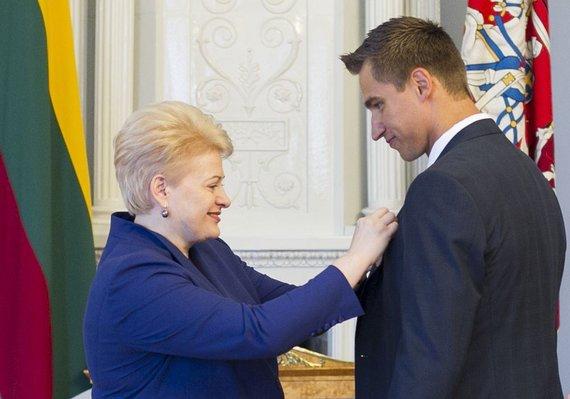 Irmanto Gelūno / 15min nuotr./Sportininkui Dainiui Zubrui - valstybės apdovanojimas