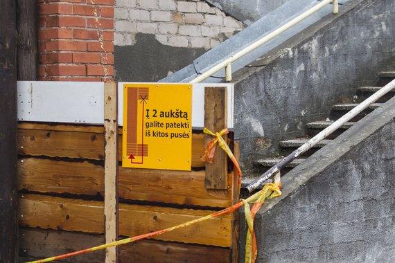 Laiptai Šeškinėje jau ne vienerius metus kėlė grėsmę.