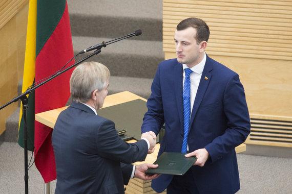 Irmanto Gelūno / 15min nuotr./Ūkio ministro Virginijaus Sinkevičiaus priesaika Seime